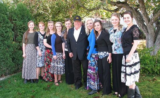 Người đàn ông có 27 vợ và 145 đứa con