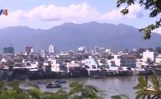 Biển Nha Trang trước nguy cơ bê tông hóa