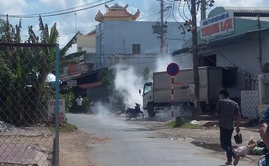 Nhà máy nước đá xì khí amoniac, nhiều người tháo chạy