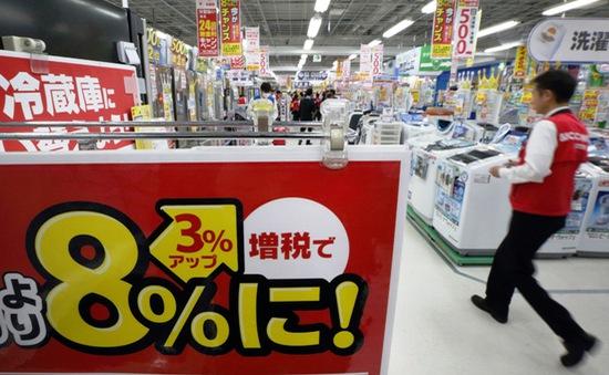 Nhật Bản hoãn tăng thuế tiêu dùng đến cuối năm 2019