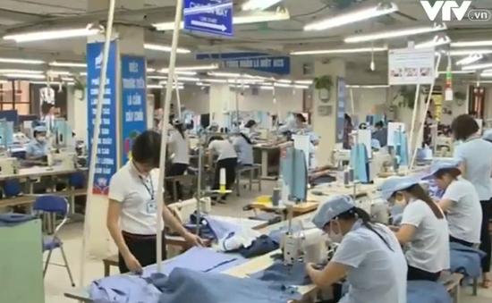 Việt Nam đứng đầu về nhập khẩu quần áo từ Hàn Quốc năm 2015