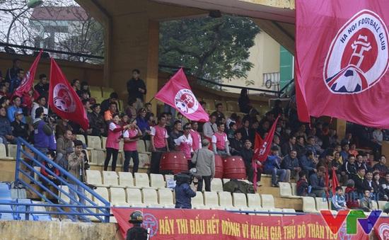 Vì sao CĐV ngày càng hờ hững với trận derby Hà Nội?