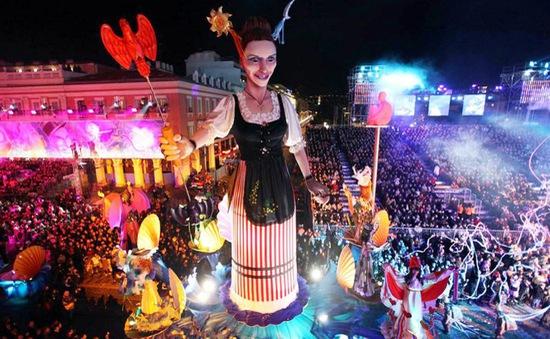Tưng bừng lễ hội Carnival Nice 2016