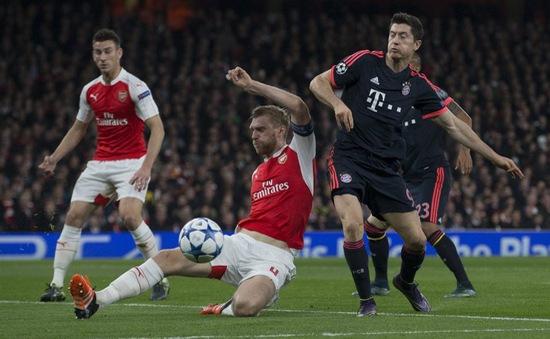 Không phải Petr Cech, đây mới là thủ quân của Arsenal