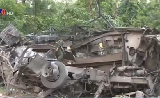 VIDEO: Hiện trường vụ nổ xe khách thương tâm tại Lào