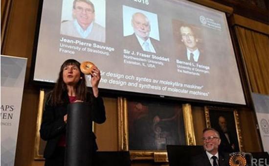 Giải Nobel Hóa học 2016 vinh danh máy phân tử