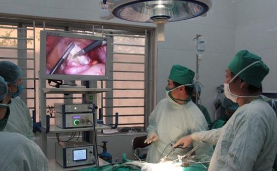 Tư vấn cách chăm sóc trẻ sau phẫu thuật nội soi ổ bụng