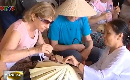 """""""Du lịch nón lá"""" hấp dẫn khách quốc tế"""