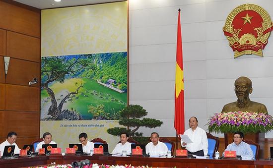 Chính phủ họp thường kỳ tháng 5: Lần đầu tiên thảo luận thể chế trước, KTXH sau