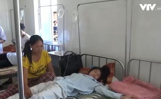 Nữ sinh ở Hà Tĩnh bị bạn đánh hội đồng phải nhập viện cấp cứu