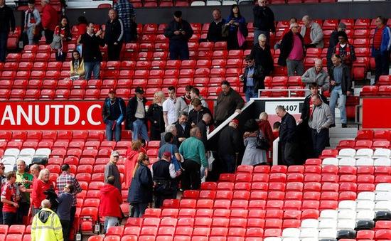 """Man Utd mất trắng gần 130 tỷ đồng cho vụ """"bom giả"""""""