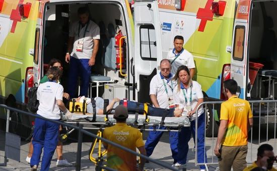 Olympic 2016: Máy quay cỡ lớn rơi từ trên cao xuống, 7 người bị thương