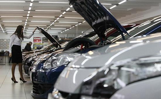 Các hãng chế tạo ô tô lo ngại về tác động từ Brexit