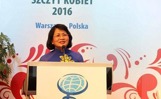 Phó Chủ tịch nước Đặng Thị Ngọc Thịnh dự bế mạc Hội nghị Phụ nữ toàn cầu