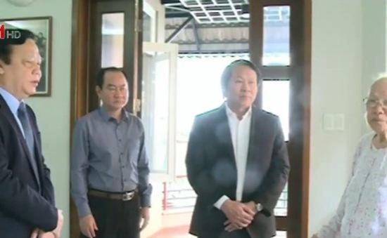 Phó Chủ tịch Quốc hội Huỳnh Ngọc Sơn thăm và chúc Tết gia đình nguyên lãnh đạo Đảng, Nhà nước