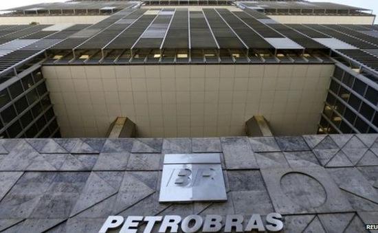 Thêm một chính khách Brazil bị bắt giữ trong vụ bê bối Petrobras