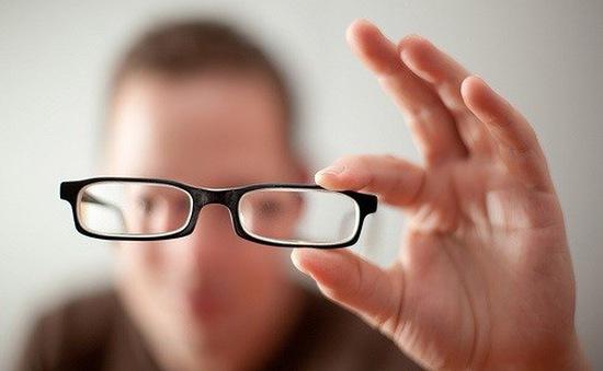 Điều trị kém thị lực di truyền bằng virus
