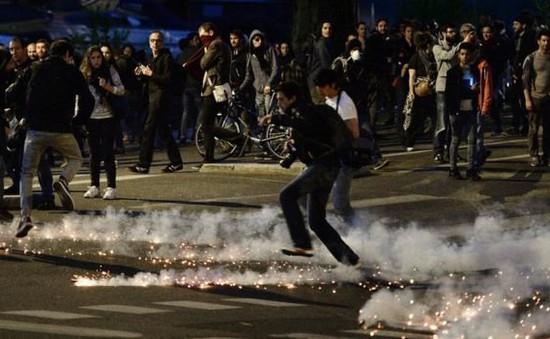 Tuyên chiến với thất nghiệp, Pháp rơi vào bất ổn mới