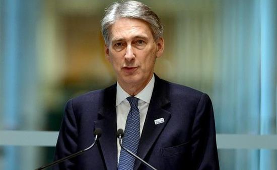Bộ trưởng Tài chính Anh kém lạc quan về kinh tế hậu Brexit
