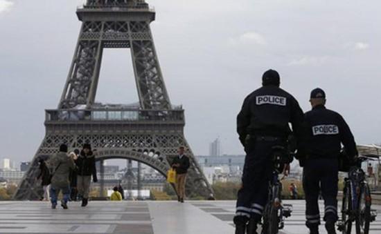 Pháp bắt giữ thêm 2 phụ nữ trẻ có liên hệ với IS