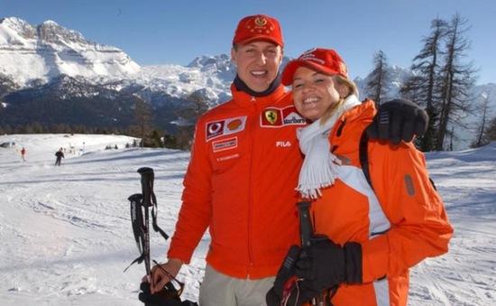 """Michael Schumacher vẫn """"không thể đi lại được"""""""
