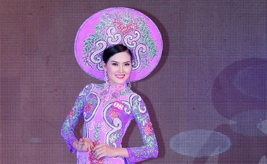 Người đẹp Kim Thoa đăng quang Hoa hậu Doanh nhân thế giới người Việt