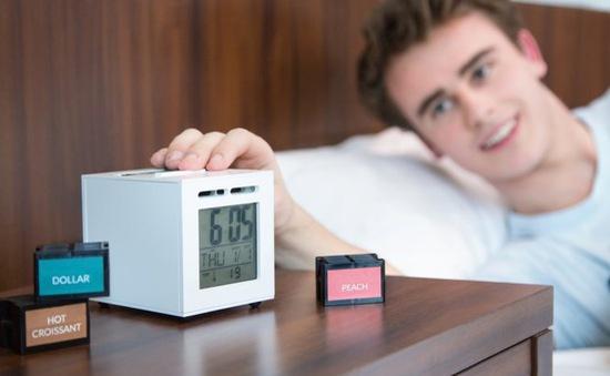 Đồng hồ báo thức bằng ... mùi hương