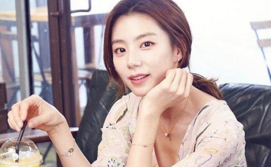 Vợ Bae Yong Joon hạnh phúc chia sẻ về đứa con trong bụng