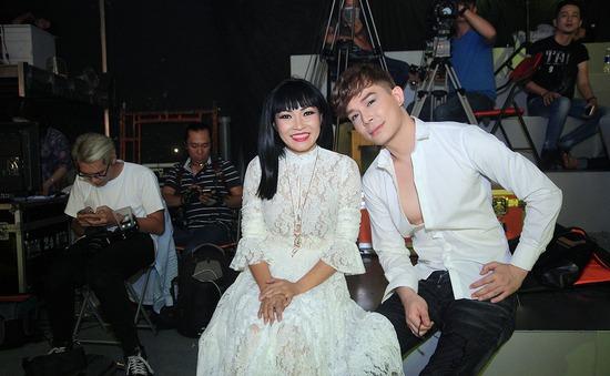 Phương Thanh, Nathan Lee vui vẻ hội ngộ trong Sài Gòn đêm thứ Bảy
