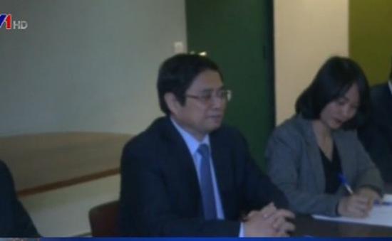 Trưởng Ban Tổ chức TƯ Phạm Minh Chính thăm và làm việc tại Pháp