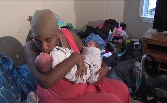 Choáng với bà mẹ sinh 3 cặp song sinh trong vòng 26 tháng