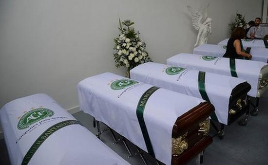 Đưa 71 thi thể nạn nhân vụ rơi máy bay tại Colombia về Brazil