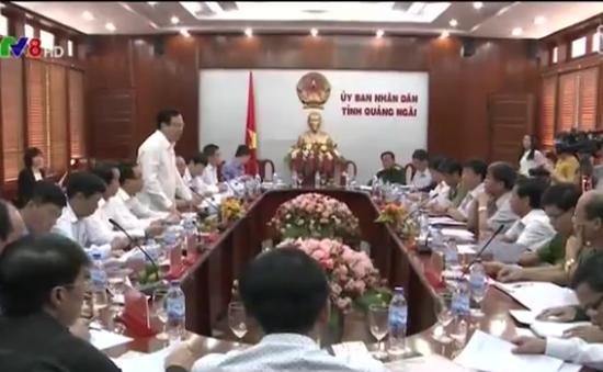 Phó Chủ tịch Quốc hội Huỳnh Ngọc Sơn kiểm tra công tác bầu cử tại Quảng Ngãi