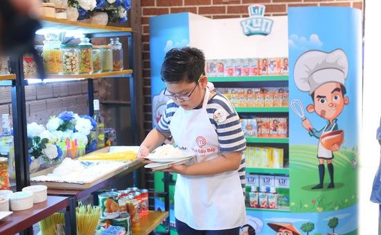 """Vua đầu bếp nhí: """"Ông cụ non"""" Quốc Huân quyết tâm giành danh hiệu Quán quân"""