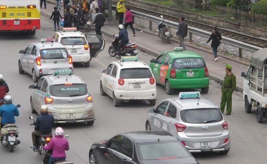 Hà Nội sẽ hạn chế số lượng xe taxi