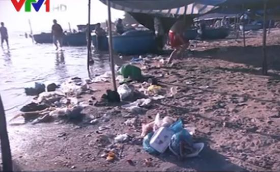Bãi biển Lagi, Bình thuận ngập rác thải sau Tết