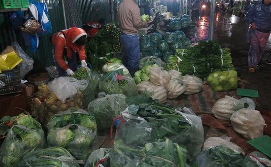 Rau xanh ở Nam Trung Bộ tiếp tục tăng giá