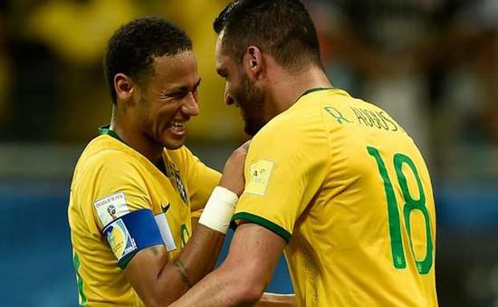"""Douglas Costa chấn thương, Olympic Brazil """"cuống cuồng"""" tìm người thay thế"""