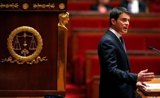 """Chính phủ Pháp lần thứ 2 """"vượt rào"""" thông qua dự luật Lao động mới"""