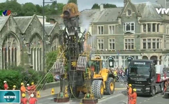 Anh ra mắt robot thợ mỏ lớn nhất từ trước đến nay