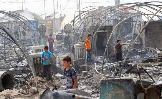 Hỏa hoạn dữ dội tại khu tị nạn Iraq, 70 căn lều bị thiêu rụi