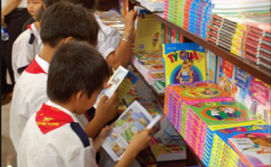Sách thiếu nhi nước ngoài lấn át sách trong nước