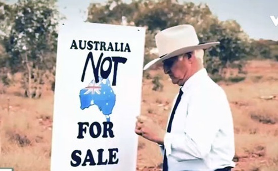 Đoạn băng vận động tranh cử kiểu cao bồi tại Australia gây nhiều tranh cãi