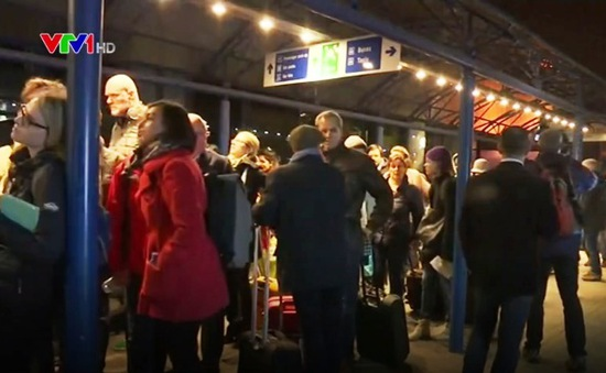 Sân bay London City phải sơ tán khẩn cấp vì sự cố liên quan tới hóa chất