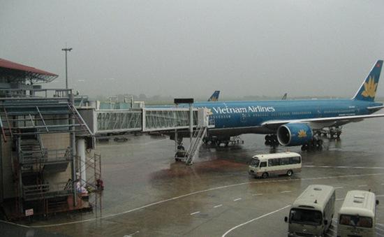 Vietnam Airlines tạm dừng 6 chuyến bay đến Hà Nội do bão