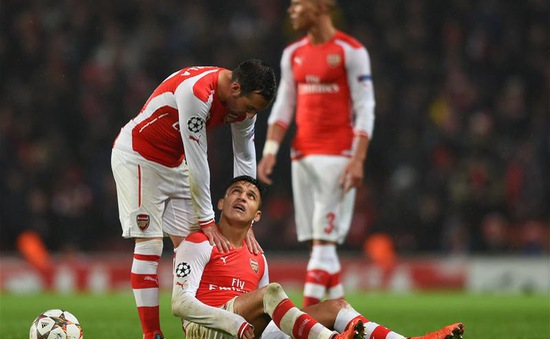"""Arsenal """"méo mặt"""" vì chấn thương nặng của trụ cột"""