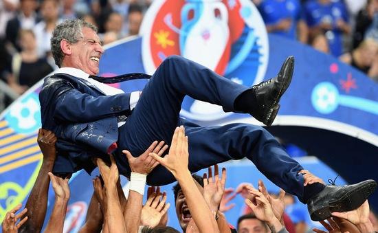 Giúp Bồ Đào Nha vô địch EURO 2016, HLV Fernando Santos được thưởng hợp đồng mới