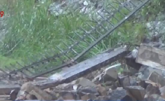 Đồng Nai: Tường khu công nghiệp Biên Hòa 2 bất ngờ đổ sập
