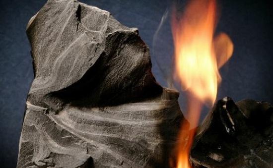 Hoạt động khai thác khí đá phiến lần đầu tiên diễn ra tại Anh
