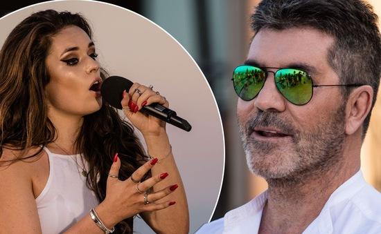 """The X-Factor: Simon Cowell dọa """"đuổi"""" thí sinh nếu trang điểm đậm"""